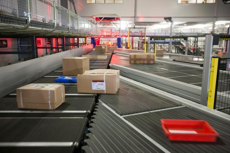 Several parcels on a sorter