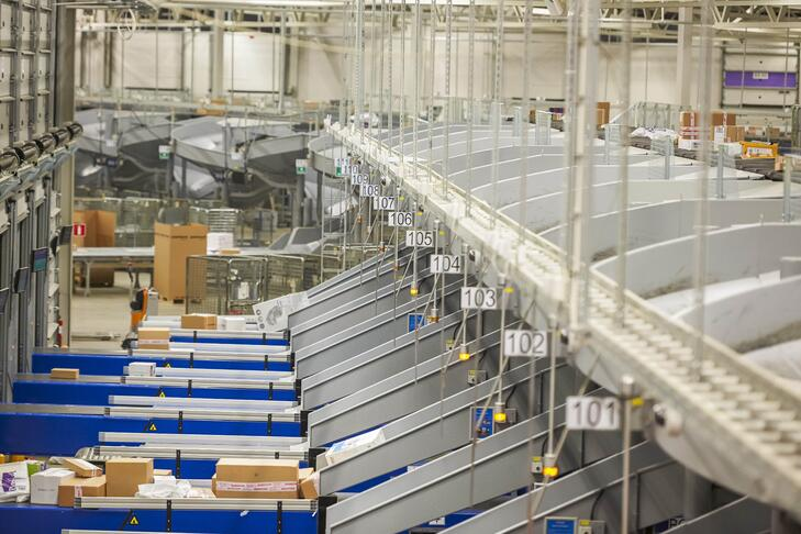 Automated parcel sorting system